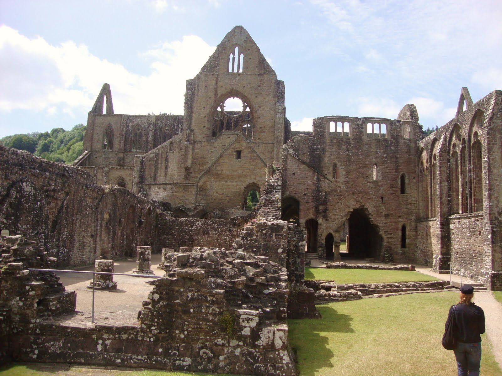 wordsworth tintern abbey as a thesis poem Tintern abbey by william wordsworth: of industrialization in wordsworth's view and poem on wordsworth and memory in tintern abbey see angela bonilla.
