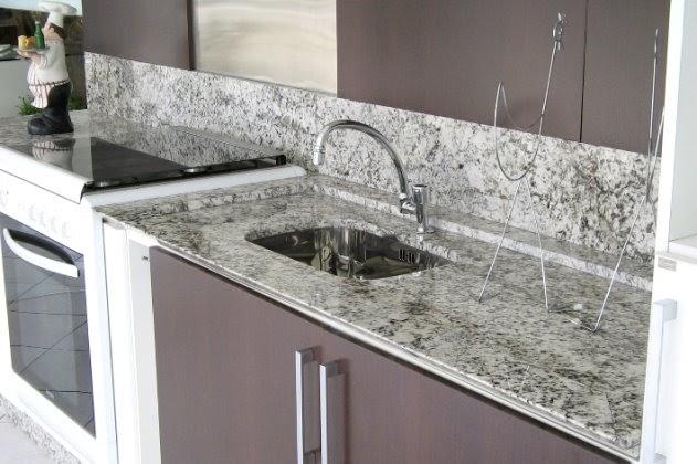 Come pulire e mantenere i piani in marmo della cucina o - Marmo per piano cucina ...