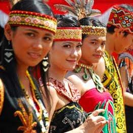 budaya tradisional lama dayak