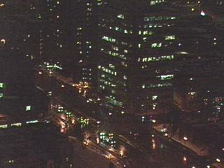 Una avenida de Montreal de noche