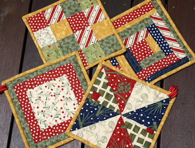 Chasing Cottons: Christmas hot pads..t idea??