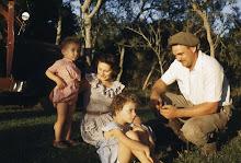 LA FAMILIA, 1953