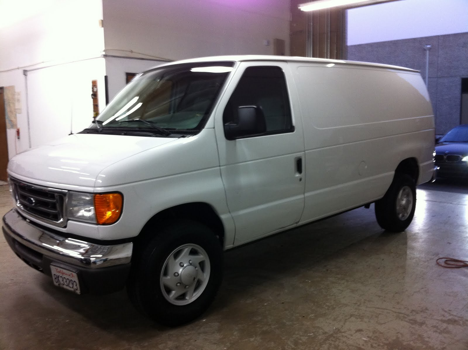 Heres a nice 2006 Ford E350
