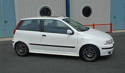 Hot-Hatch: Fiat Punto GT Turbo ('97) on peugeot 308 turbo, nissan maxima turbo, jeep patriot turbo, fiat abarth turbo, nissan pulsar turbo, porsche cayenne turbo, audi q7 turbo, mitsubishi colt turbo, mini turbo, fiat uno turbo, audi a3 turbo, suzuki cultus turbo, volvo c70 turbo, nissan juke turbo, volkswagen golf turbo, toyota prius turbo, fiat coupe turbo, fiat 147 turbo, renault 5 turbo, honda beat turbo,