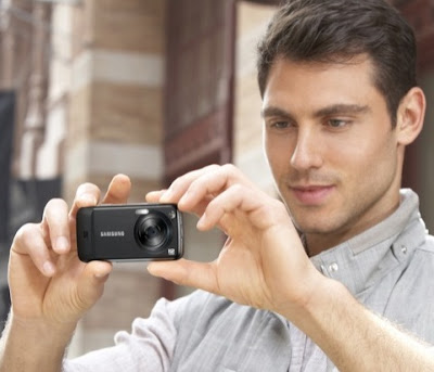 Samsung Launches 12 MP Camera Phone 'M8910'