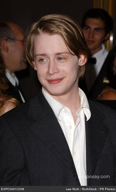 macaulay culkin and mila kunis wedding. mila kunis blogger: Macaulay