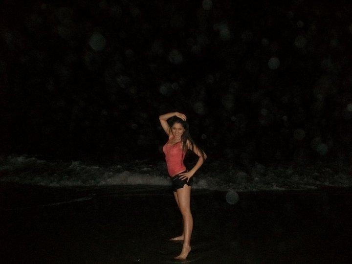http://2.bp.blogspot.com/_bCrPODghTJ0/TA6hVqMLYqI/AAAAAAAADJM/S0iU7d3SKA8/s1600/Rachel+Meade%27s+Photos+beach.jpg