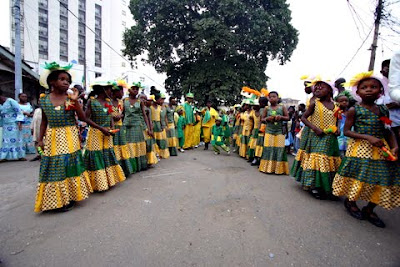 brazilian carnival essay Samba is a symbol of brazil and the brazilian carnival, making it so an icon of  brazilian national identity works cited decouto, n personal interview.