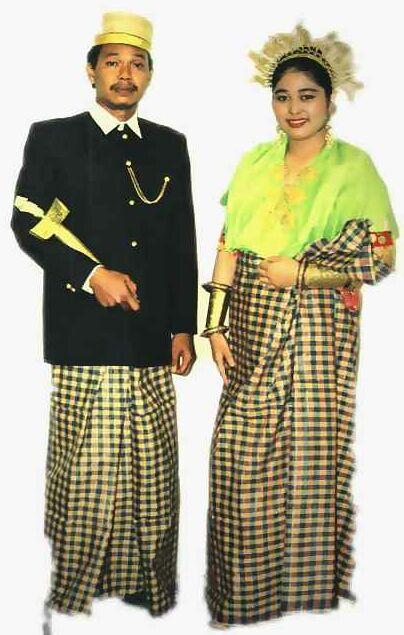 BICARA UMUM: Pakaian Tradisional Melayu dan Kaum Pribuminya