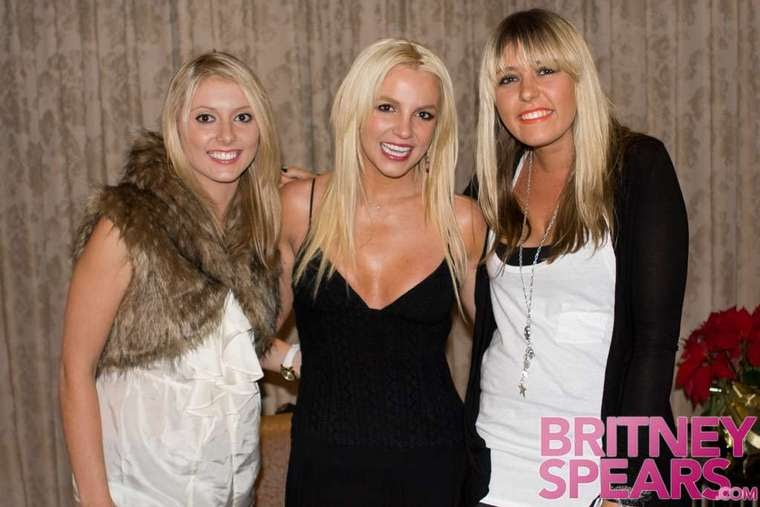 Britney spears circus tour pictures music videos and so much more m4hsunfo
