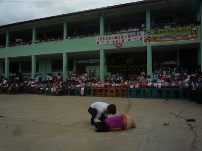 Actuación de alumnos irazolinos en el día de la madre 2010