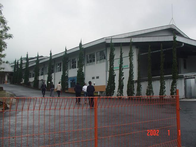 Foto Gambar Tampak Depan Pabrik Teh Wonosobo