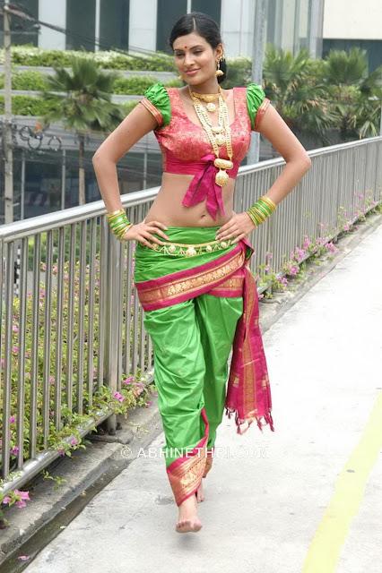 http://2.bp.blogspot.com/_bIK8ugMI-WY/SIYWgtI3KPI/AAAAAAAAEB0/5tFCDka2sKE/s1600/Sayali_Bhagat_15.jpg