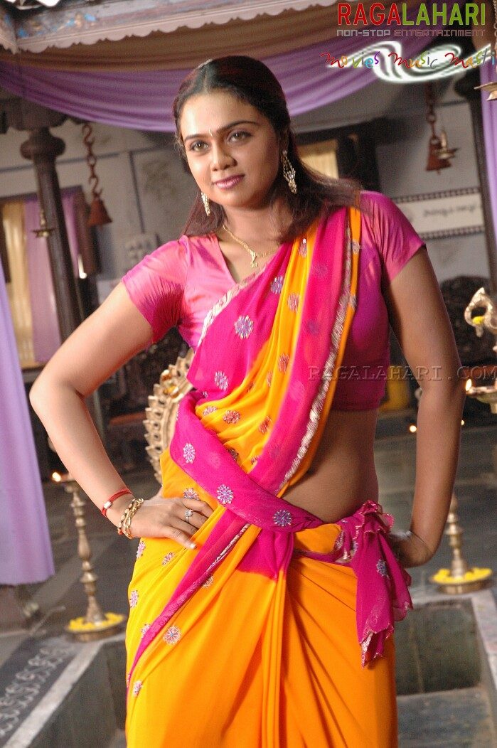 sexy for girls abhinaya sri hot belly show in pink saree
