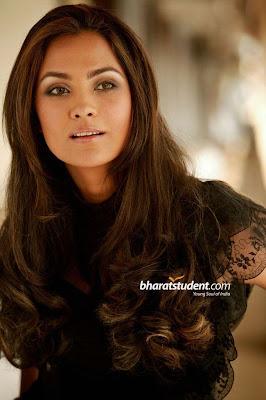 SEXY MALLU SOUTH INDIAN ACTRESS SAREE PICTURES