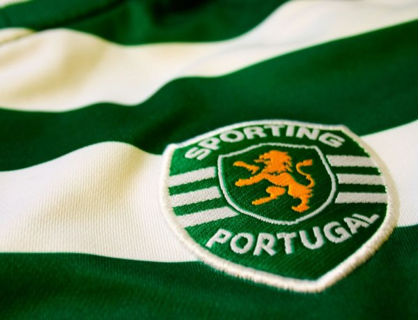 Link to FC Presikhaaf 0-8 Sporting – Resumo