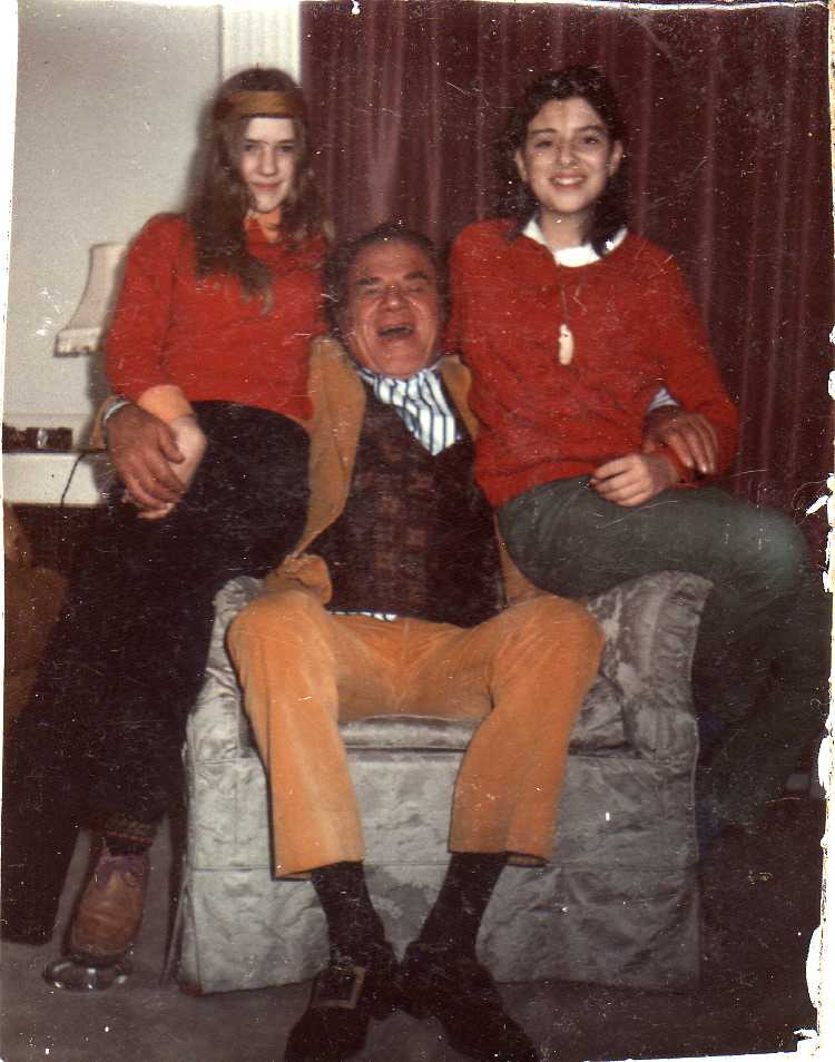 [Dorchester+Hotel,+London+Dec+1968,+Tory,+Dad+&+Bella]