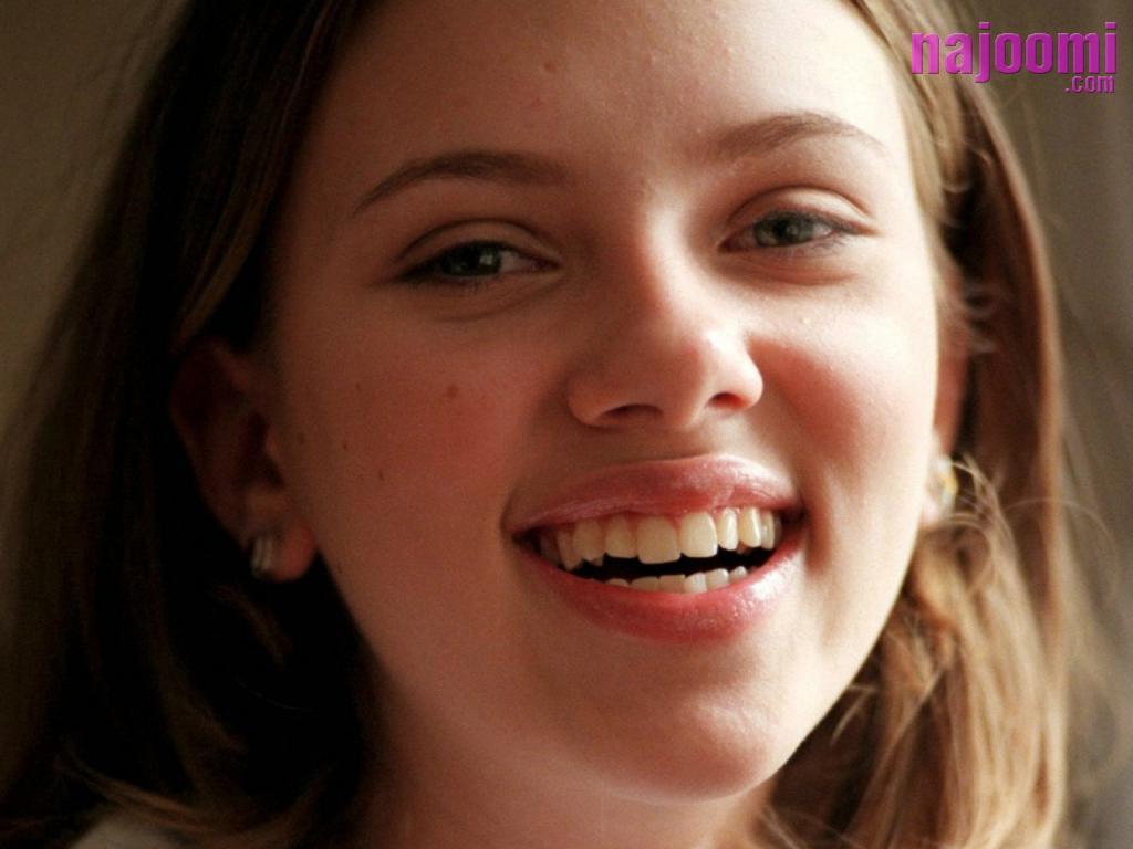 http://2.bp.blogspot.com/_bNLLl40kB4Q/TF54GzWgqDI/AAAAAAAAAP0/MMoO8qudtXY/s1600/Scarlett-Johansson-Smiling-Face-1024X768-1252.jpg