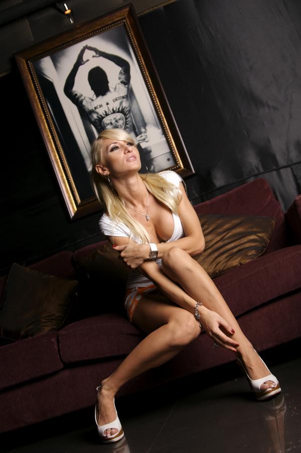 http://2.bp.blogspot.com/_bOfYANsZGoM/TC3sSVkFnBI/AAAAAAAADUA/NVmWhsKKN3Q/s1600/l_0ca737bb1edda68bf3648e0e56e11001.jpg