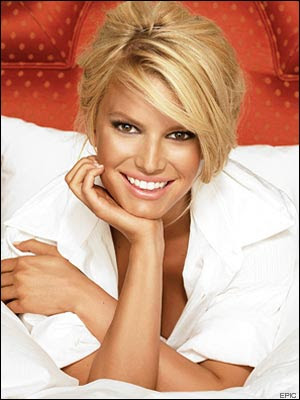 jessica simpson curly hairstyles. Jessica Simpson Stylish Blonde