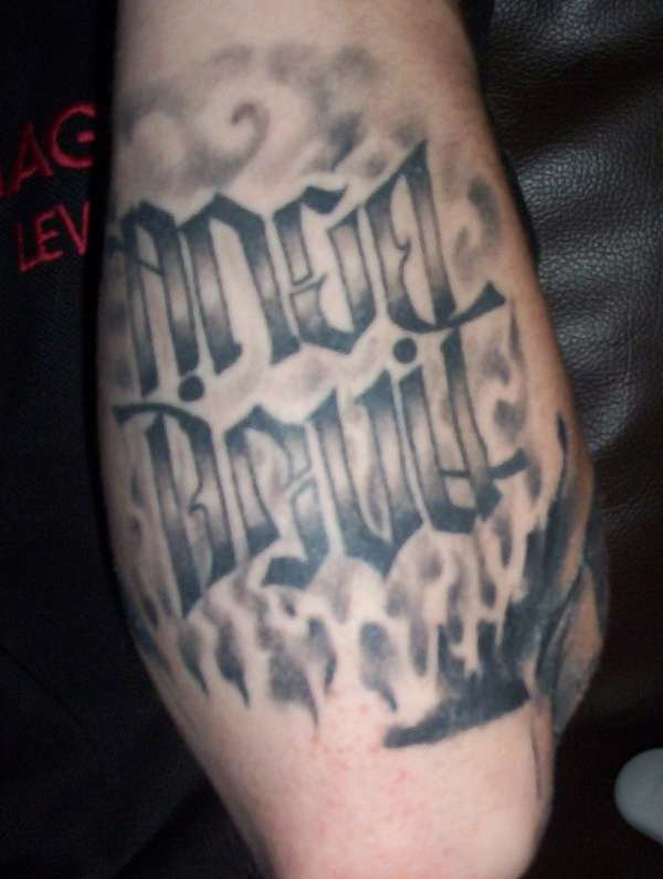 Quality ambigram tattoo pic.