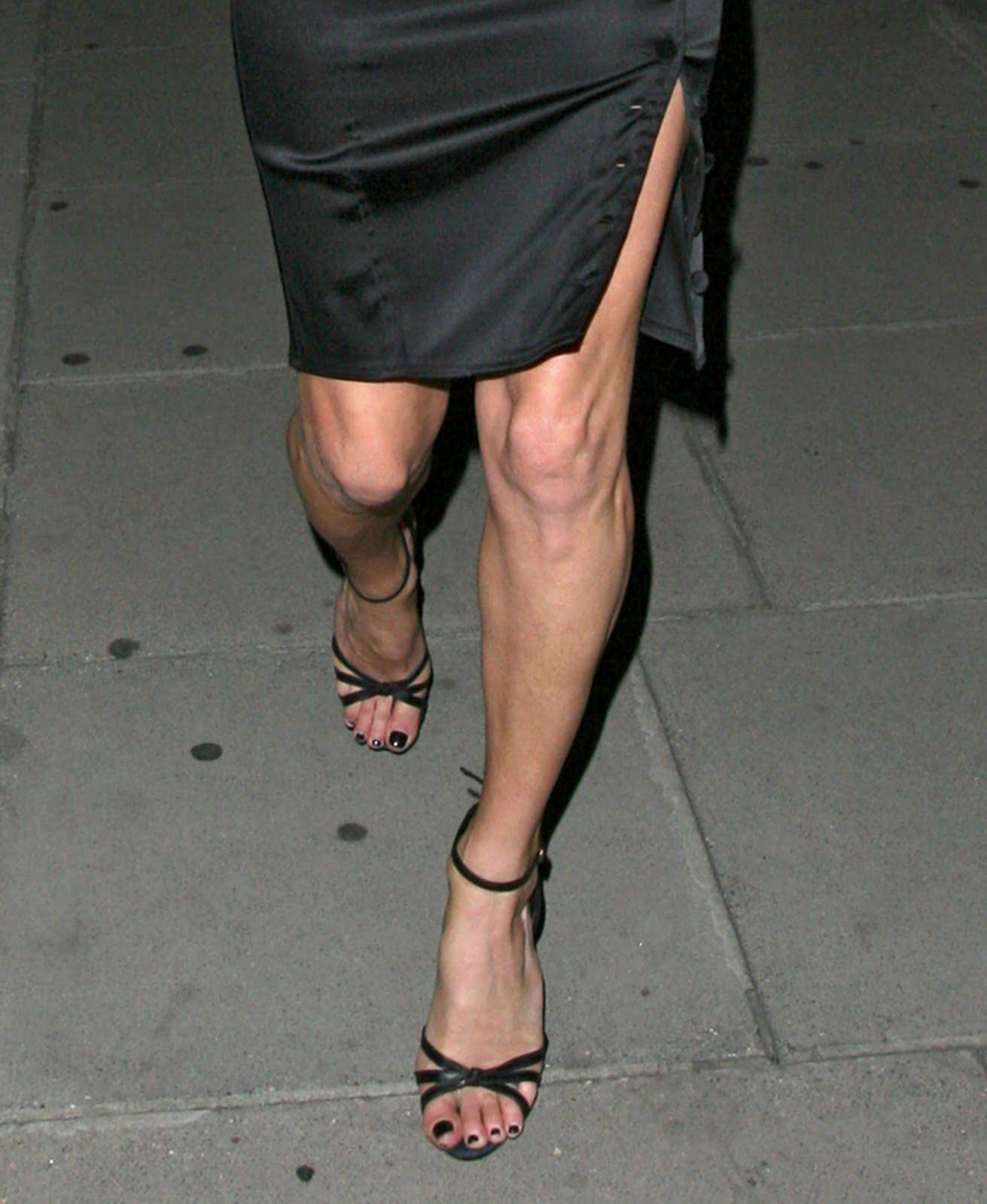 Maisie williams legs