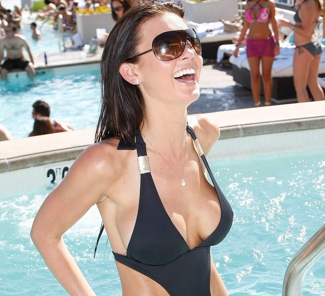 http://2.bp.blogspot.com/_bQ0SqifjNcg/S_tgdOFwZGI/AAAAAAAAVFs/13XD8qr8MV8/s1600/audrina-patridge-breast-implants.jpg