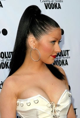 christina aguilera dark hair