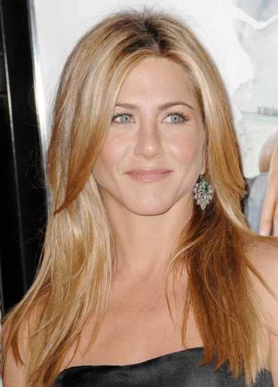 Jennifer Aniston has a lovely head of naturally dark brown hair,