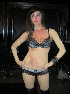 Kat Von D without tattoos photos