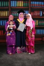 My luvly mum & sis +BaBy N@BiL