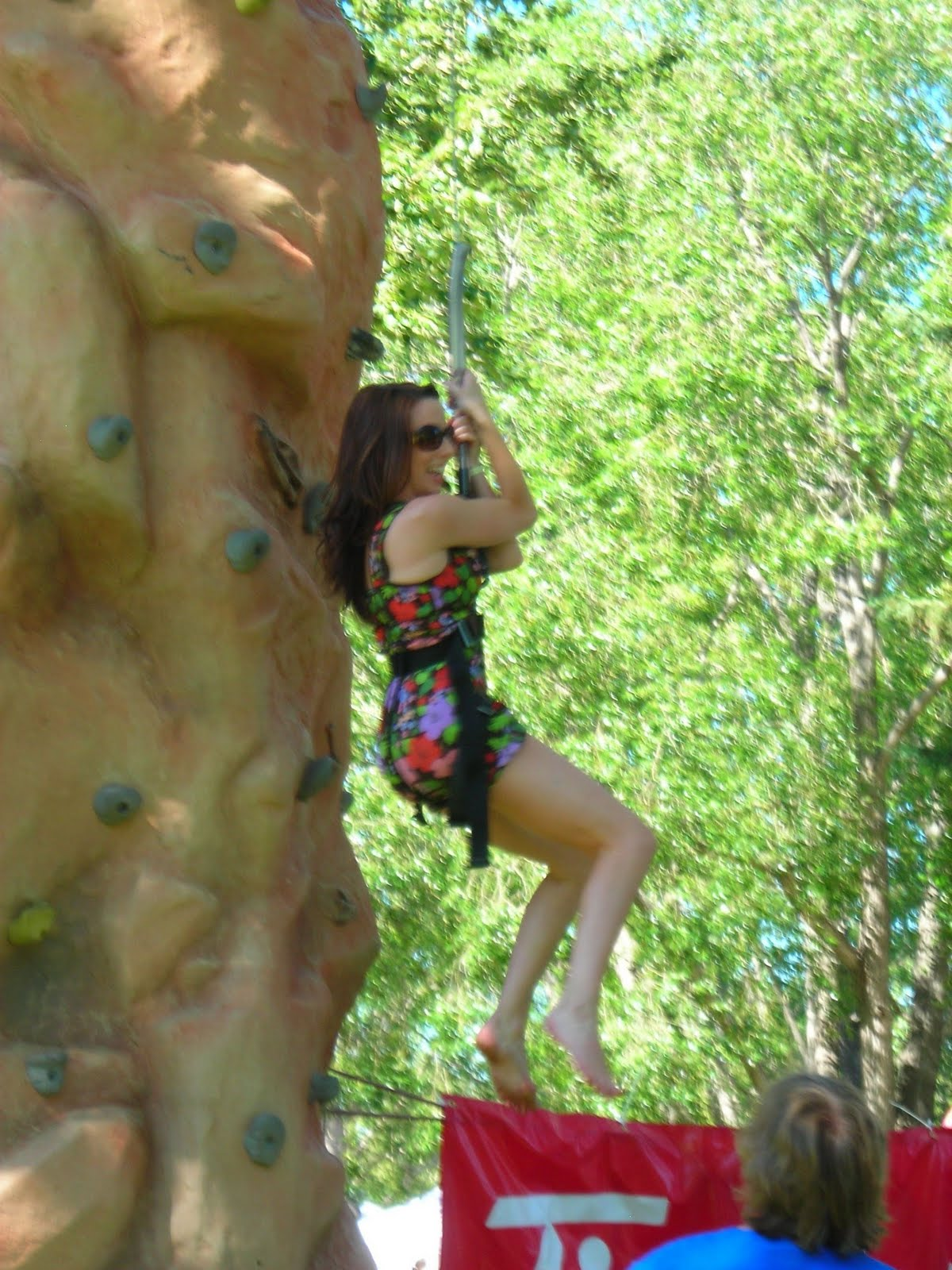 http://2.bp.blogspot.com/_bR_ejBscJtM/TGWiVJeSL5I/AAAAAAAABGc/fCtfxlSGmDI/s1600/wall+climb+3.JPG