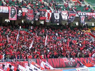 静岡スタジアムエコパの浦和レッズサポーター