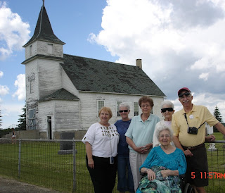 St. Peter's Church in the background; me, Susan, Aunt Shirley, Mom, Aunt Phyllis, and Jim