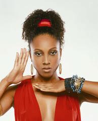 Brazilian rapper/singer Negra Li - rapper/cantora brasileira Negra Li
