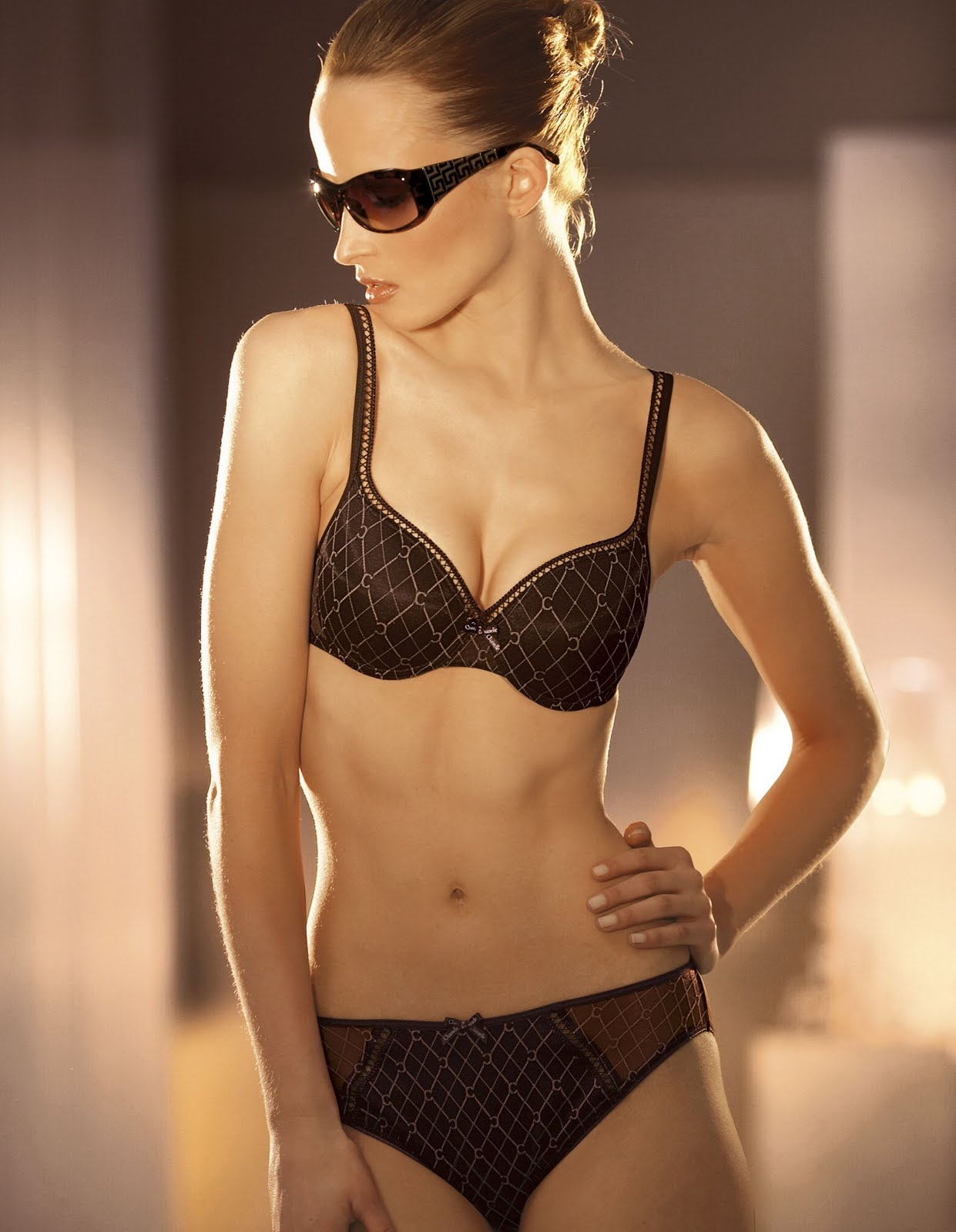 bikini bra style