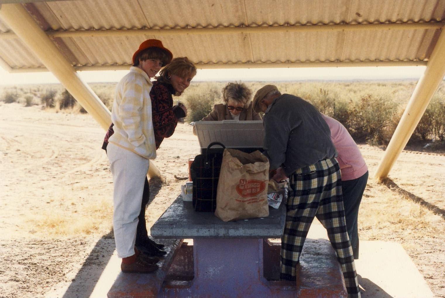 [December+1986+-+road+between+Alamogordo,+NM,+and+Santa+Fe,+NM+-+Jack,+Mom]