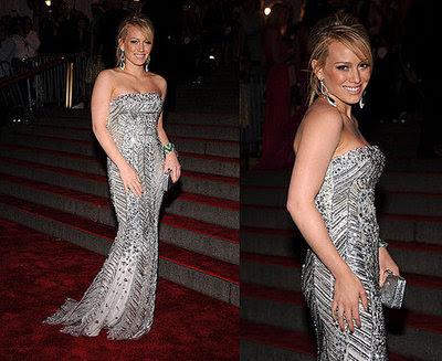 http://2.bp.blogspot.com/_baJA2sqtxVI/SCBMHR7SoYI/AAAAAAAAAq0/2EojM2_Eh3g/s400/Hilary-Duff_xlarger.jpg
