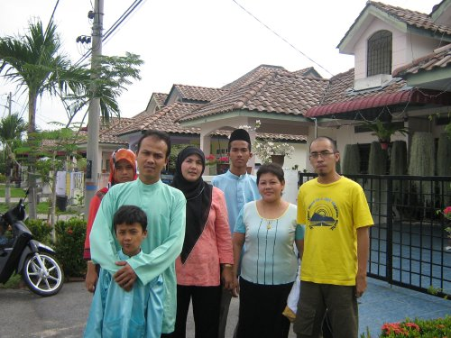 me and my family in Manjung raya 2007