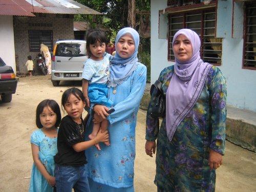 MY AUNTY IJA (PELAKUN LILLAH RAYA 2007 TV3 - SOM) & MY MUM