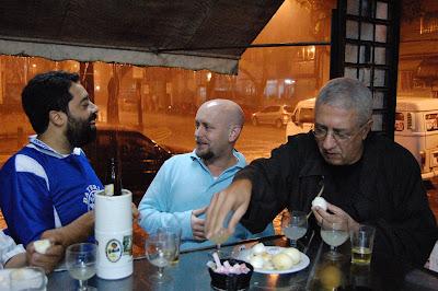Fernando Szegeri, Luiz Antonio Simas e José Sergio Rocha, BAR DO CHICO, na Tijuca, 27 de setembro de 2008, 20h36min