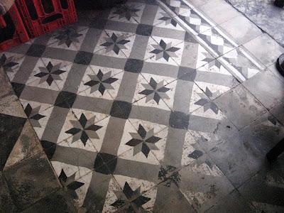 detalhe do piso do ARMAZÉM MATOSO, na rua do Matoso, na Tijuca, foto de Eduardo Goldenberg