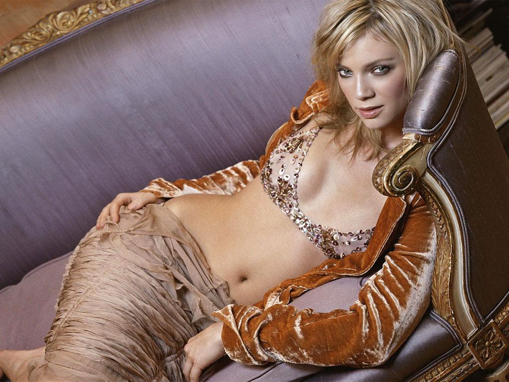 http://2.bp.blogspot.com/_be29zjTcK5I/TS323CpCUQI/AAAAAAAAJuQ/A3pnjcK7sGI/s1600/wallpapers10.net-actresses-73.jpg