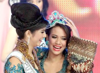 Nadine Alexandra Ikuti Miss Universe 2011