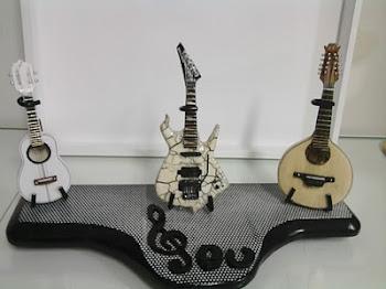 Cavaquinho, guitarra baiana e Bandolim