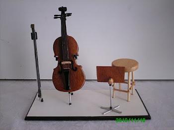 Mini palco com Violoncelo