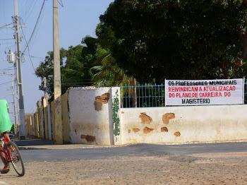 A luta dos professores do município continua