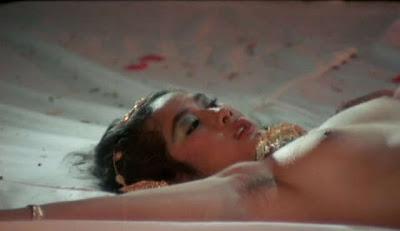 Yurike Prastika Telanjang di Film Ratu Kidul (Tanpa Sensor)