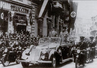 Mussolini+and+Hitler+in+Car