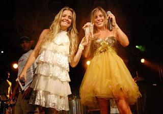 Apresentadora e cantora no show de Reveillon em Morro